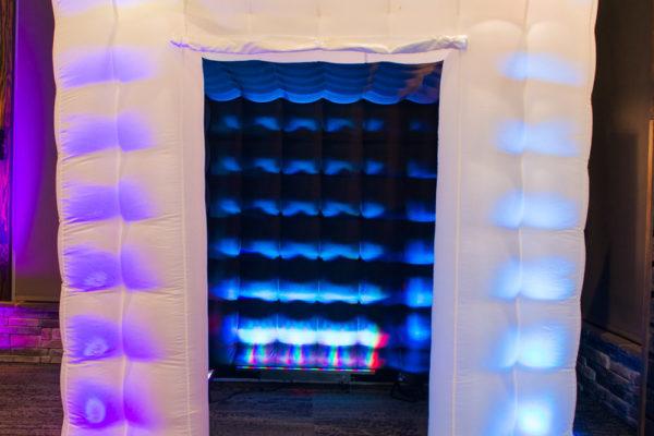 Premier inflatable cube